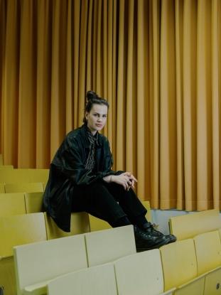 http://jakobschnetz.de/files/gimgs/th-74_Schnetz_ZeitCampus-Portraits_SimonaSchick_01.jpg